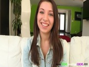 Teen Cockloving Amateur Receives Her Facial