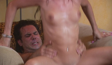 Watch Him Make Her Squirt All Over During Steamy Fuck
