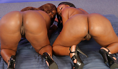 Two Sistas Lick And Toy With Each Others Pussys