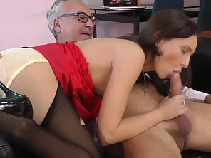 Charming Teen With Juicy Tits Sucking Big Dick Before Deep Fuck