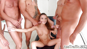 Petite Anita Bellini Gives Anal To 5 Guy For Gangbang On Ass Traffic