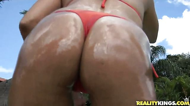 Brunette Bianca Lopes With Phat Butt And Bald Pussy Is Ready To Fuck 24 7 To Get Anal Satisfaction