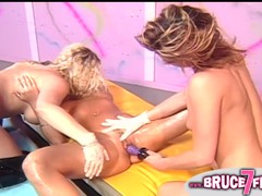 Lesbians In Old Retro 3way